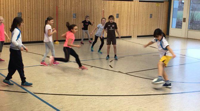Mädchen Fußball-AG