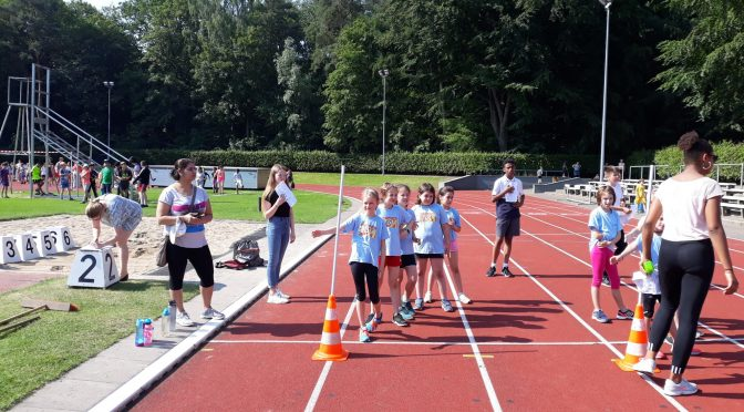 Leichtathletik-Teamwettbewerb für Klasse 3 und 4